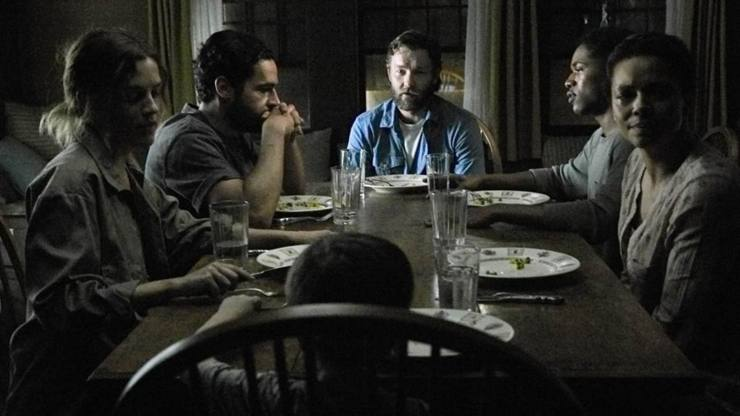 It Comes At Night (2017) Dinner